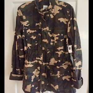 New gap camouflage jacket size m